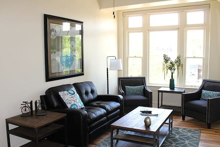 Old Town/Downtown Fort Collins Loft - Fort Collins