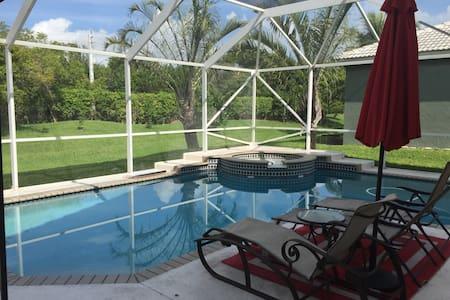 Beautiful home pool , Family home. - Ház