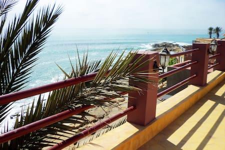 Luxurious Ocean Front Surf Villa at Anchor's Point - Agadir - Villa