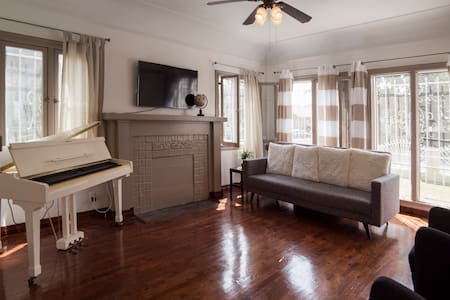Bloom Room @ Limelight Manor
