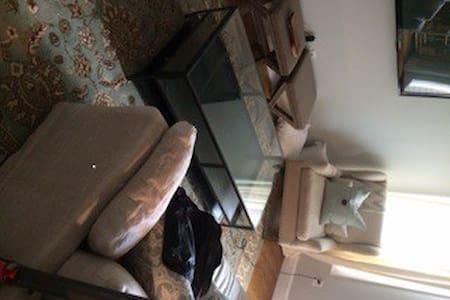 Extra Bedroom in Charlestown Apt