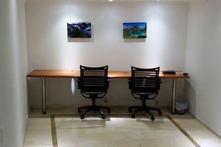 NOMAD Penthouse Priv.Bath + Office Poblado EAFIT - Medellín - Lakás
