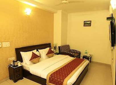 Room type: Entire home/apt Property type: Bed & Breakfast Accommodates: 2 Bedrooms: 2 Bathrooms: 2