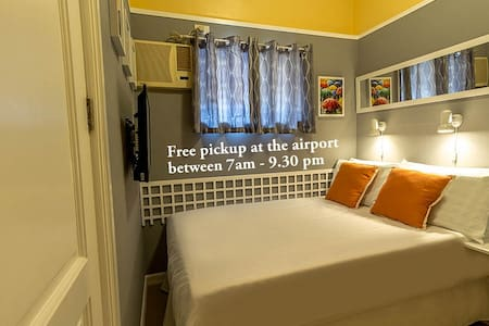 Close to Airport Private bath. Rm.1