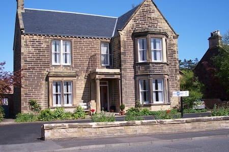 Springfield Guest House - Bed & Breakfast