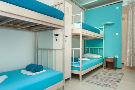 Roundabout Hostel - Rovinj - Bed & Breakfast