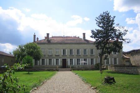 Château Rouge 47-Chambre 33