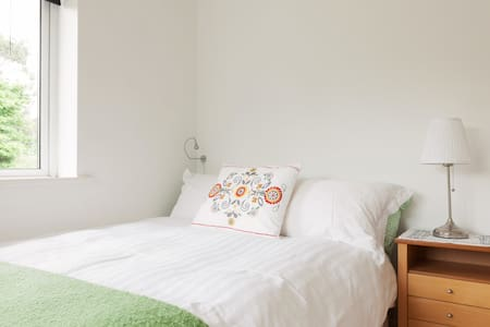 Sunny Double Bed room to rent Bray - Bray - House