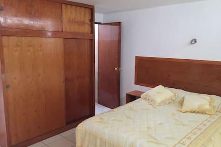 Habitaciones Amplias con baño - Ev