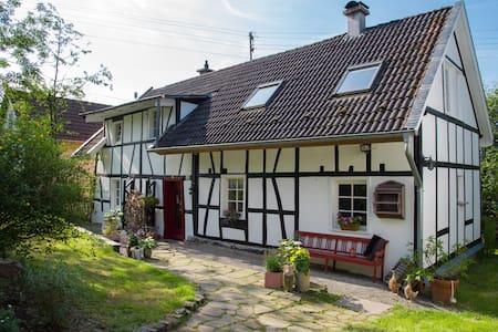 Ferien im Landhaus im Bergischen - Casa