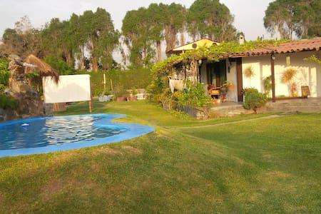 Casa de campo ,piscina,discoteca - Lima - House