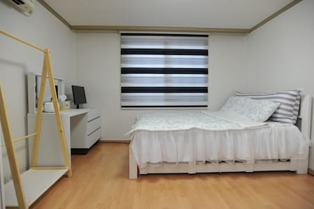 # Studio APT(1 Bedroom with kitchen & bathroom) for 2 ~ 3 people # Located in shopping town (DOOTA, LOTTE FITIN..) & Wholesale Market # 3 mins walk from MRT (Dongdaemun history culture park stn) # Easy access from airport (Limousine 6001)