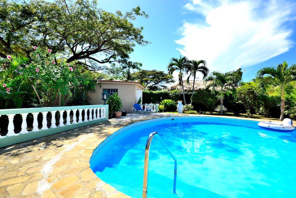 Cute Guest House in Tropical Garden