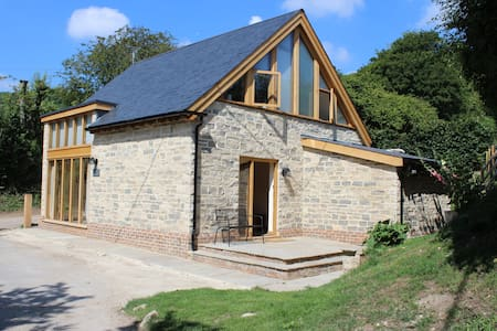 Poet's Cottage, Steep - Rural Location - Sleeps 6 - Steep - Hus