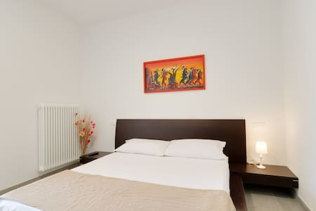Double Room B&B Alla Luna. - Bed & Breakfast