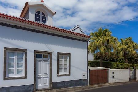 Casa do Vizinho João - Rumah