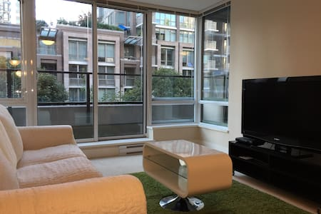 Charming 1bed apt in Yaletown/DT