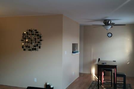 Furnished - 2 bdr apt Coralville - Apartment