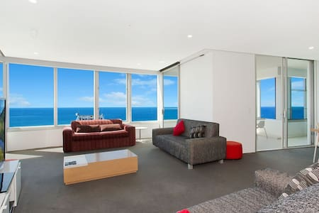 Sky-High 4 bedroom Residence - Surfers Paradise - Leilighet