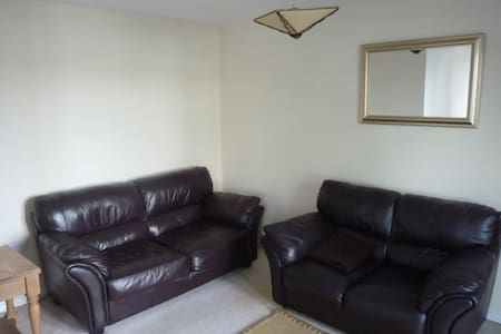 1 Bed Flat Cardiff Bay Water views - Apartment