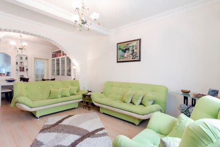 Flowering Detached House in Izmir - İzmir