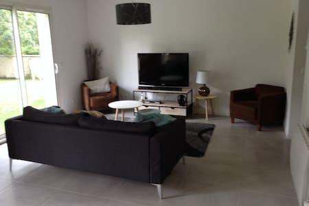 Maison 180 m2 avec  jardin - Goupillières - Casa