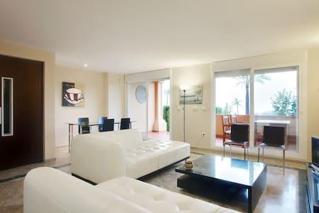Luxury 3bed townhouse/Beach/Golf - House
