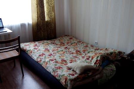Room sweet room - Aziarco - Leilighet
