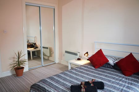 Comfy room in Glasgow City centre