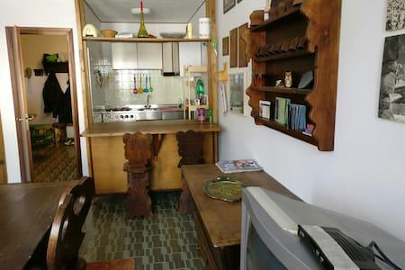 Solo affitto settimana/mese.8 posti - Apartment