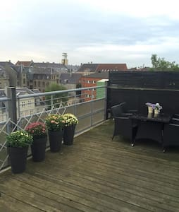 Four roomed apt close to metro