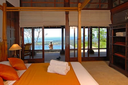 Bali Pavilion - Incredible Sunsets - Dominical Costa Rica - Villa