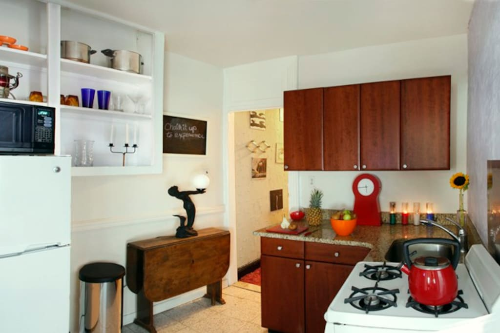 Kitchen: Coffee, Tea, Milk, Juice, Eggs, Bread, Fruit, Paper Towels, Cook Ware, Microwave ...