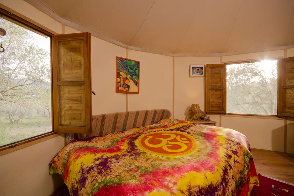 Charming Yurt ideal for couple