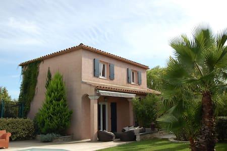 Villa  jardin exotique et piscine - Saint-Mathieu-de-Tréviers