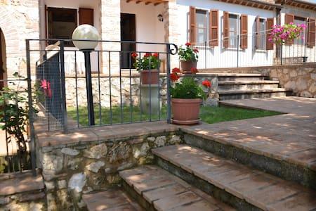 Casa in campagna con piscina