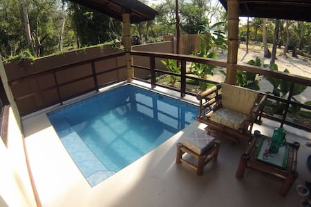 Executive Beachfront LuxuryVilla With Private Pool - Kapu Tiki Cloud 9, General Luna, Surigao del norte - Villa