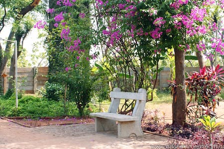 Artists Commune Room near Auroville - Bommayapalayam