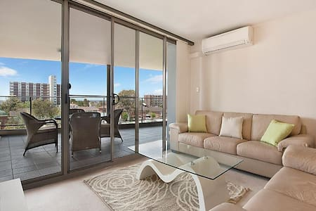Balcony ensuite carpark breakfast - Perth - Apartamento