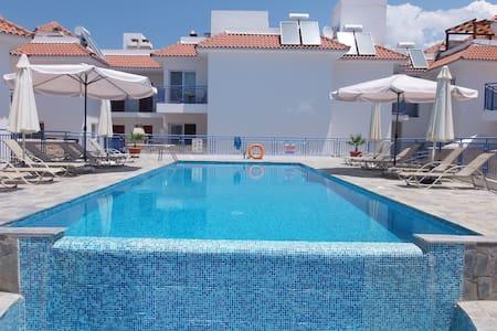 1 Bed Penthouse - Pool - Sea Views - Argaka - Huoneisto