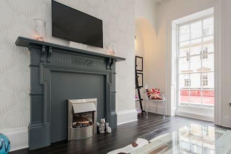 Breathtaking Milsom Street Flat! - Apartment