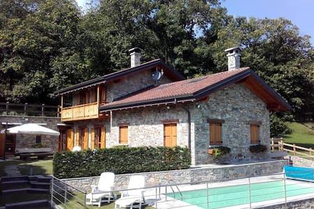 La Dolce Vita, rustico con piscina - House