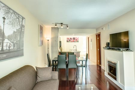 Old Montreal Luxury Condo 1 BR-A