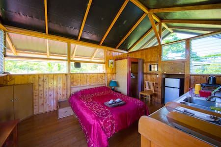 Noni Cabin w/ Kitchen & Bath for 2