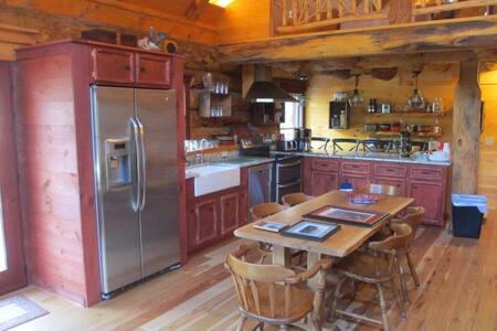 Log Cabin on Honey Creek - Milroy - Cabin