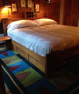 Suite in Beautiful Log Cabin - Pepperell - Cottage