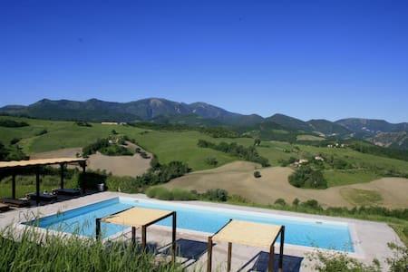 Acace -Casa Panoramica con piscina - House