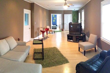 Beautiful renovated 2 BR Allentown