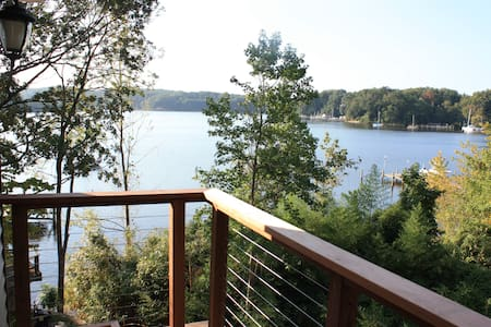 Waterfront home close to Annapolis - Crownsville - Rumah