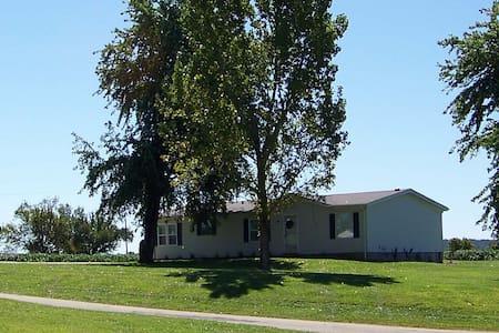 Vance House near Castor River-3BdRm - Ev